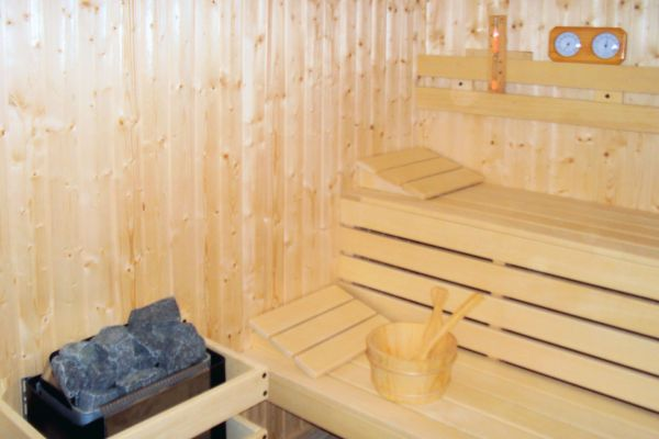 sauna21DE8C3C3-6BEE-DC09-7209-5A6DB4758C89.jpg